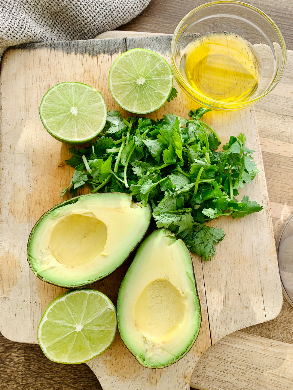 INGREDIENTS FOR AVOCADO DRESSING