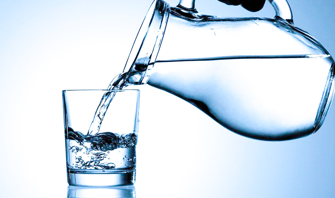 13 TIPS TO DRINK MORE WATER